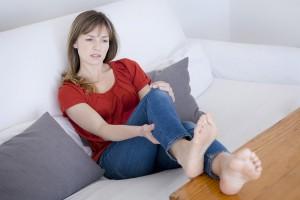 Kribbeln in den Beinen bei einer Rückenmarkserweichung (Myelomalazie / Myelopathie)