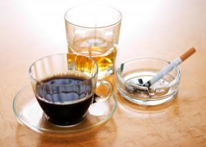 Kaffee, Alkohol und Zigarrette