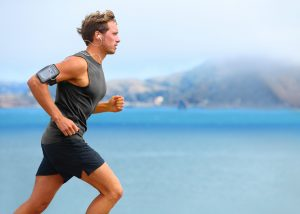 Richtige Haltung beim Joggen beugt Rückemschmerzen vor