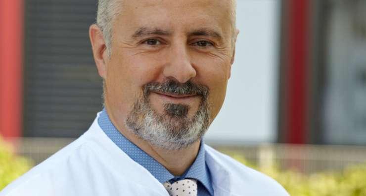 Beratung bei Rückenschmerzen auch am Wochenende – Dr. Christopoulos Samstagssprechstunde im Oktober & November
