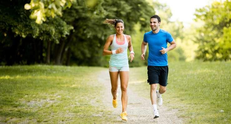 Rückenschmerzen beim Laufen – Ist Joggen gut oder schlecht für den Rücken?
